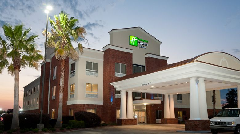 """Holiday Inn Express Hotel  and  Suites Scott Exterior. Images powered by <a href=""""http://www.leonardo.com"""" target=""""_blank"""" rel=""""noopener"""">Leonardo</a>."""