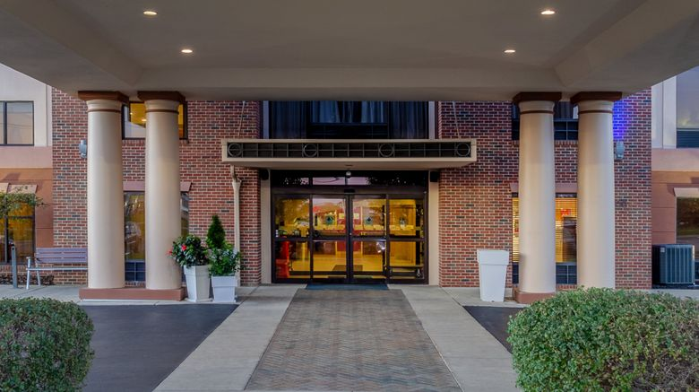 "Holiday Inn Express Suites Exterior. Images powered by <a href=""http://www.leonardo.com"" target=""_blank"" rel=""noopener"">Leonardo</a>."