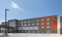 Holiday Inn Express & Stes Dakota Dunes