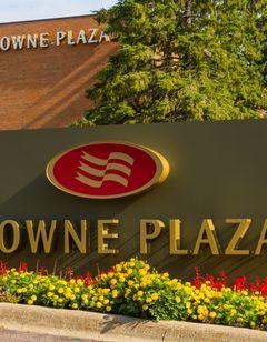 Crowne Plaza Hotel Minneapolis West