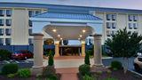 Fairfield Inn & Suites Hanes Mall Exterior
