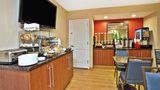 TownePlace Suites Republic Arpt Long Isl Restaurant