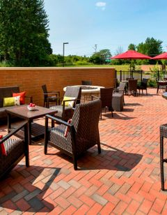 Fairfield Inn & Suites Carrier Circle