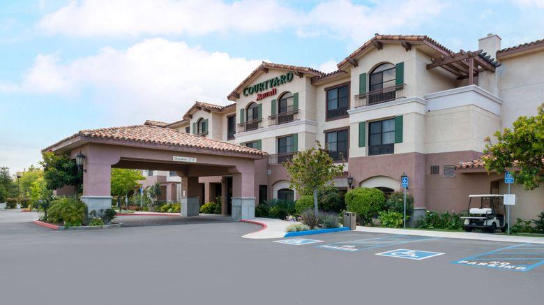 "Courtyard Thousand Oaks Ventura County Exterior. Images powered by <a href=""http://www.leonardo.com"" target=""_blank"" rel=""noopener"">Leonardo</a>."