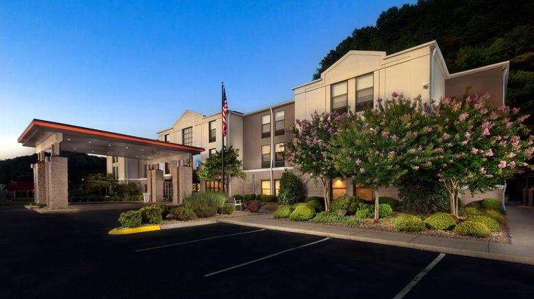"Holiday Inn Express Middlesboro Exterior. Images powered by <a href=""http://www.leonardo.com"" target=""_blank"" rel=""noopener"">Leonardo</a>."