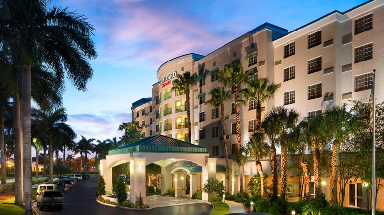 """Courtyard Ft Lauderdale Airport  and  Cruise Exterior. Images powered by <a href=""""http://www.leonardo.com"""" target=""""_blank"""" rel=""""noopener"""">Leonardo</a>."""