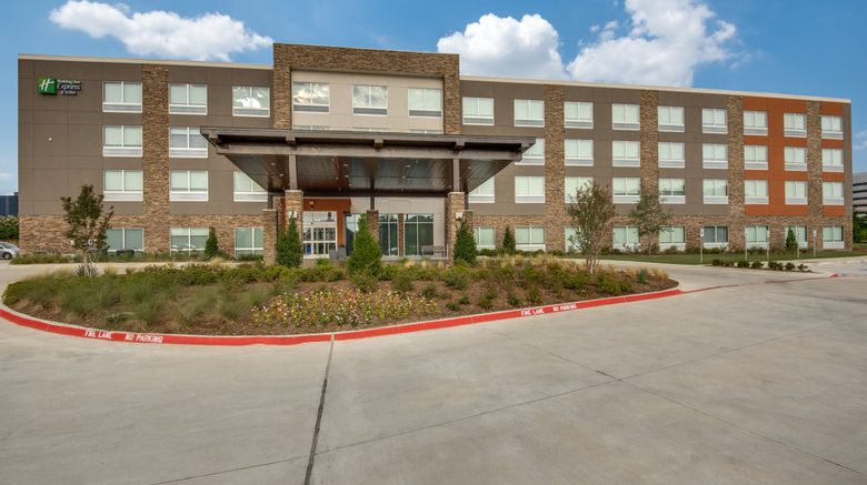 """Holiday Inn Express/Suites Dallas North Exterior. Images powered by <a href=""""http://www.leonardo.com"""" target=""""_blank"""" rel=""""noopener"""">Leonardo</a>."""