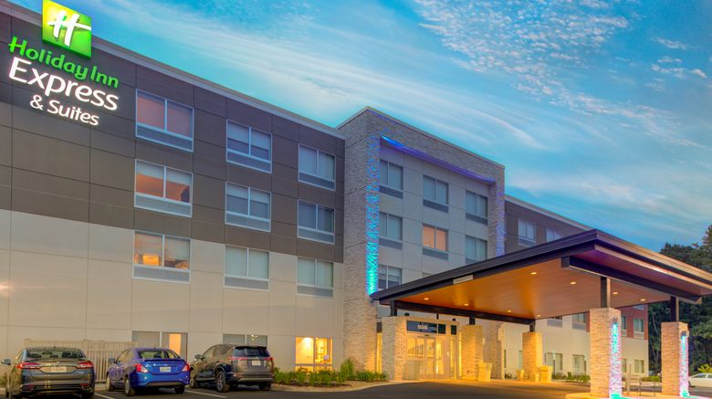 """Holiday Inn Express  and  Suites King George Exterior. Images powered by <a href=""""http://www.leonardo.com"""" target=""""_blank"""" rel=""""noopener"""">Leonardo</a>."""