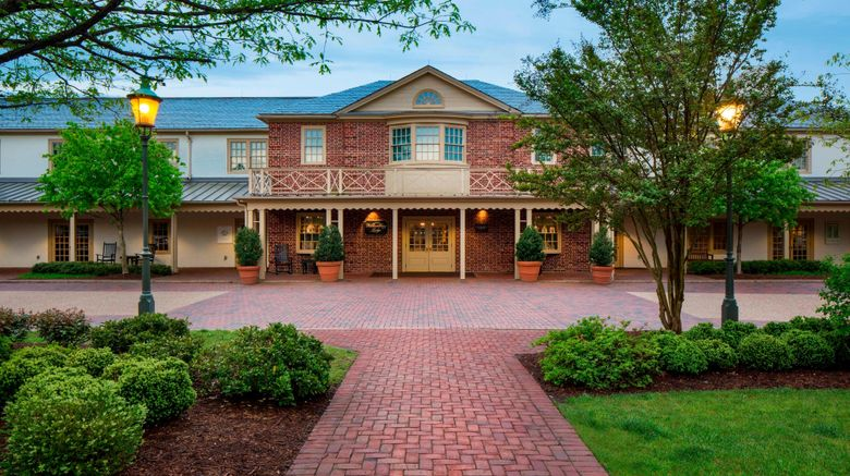 """Williamsburg Lodge, Autograph Collection Exterior. Images powered by <a href=""""http://www.leonardo.com"""" target=""""_blank"""" rel=""""noopener"""">Leonardo</a>."""