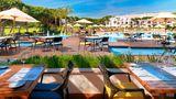Pine Cliffs Ocean Suites, Luxury Coll Restaurant