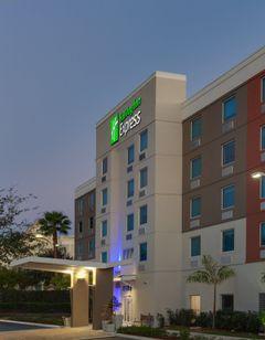 Holiday Inn Express & Stes Air/Sea Port