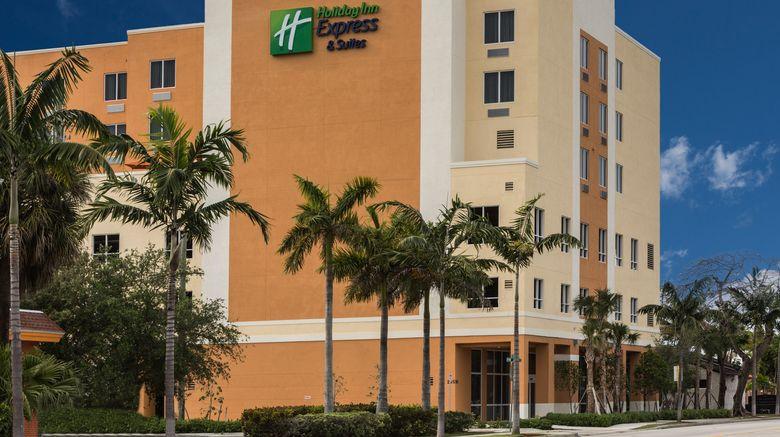 "Holiday Inn Express  and  Sts Dania Beach Exterior. Images powered by <a href=""http://www.leonardo.com"" target=""_blank"" rel=""noopener"">Leonardo</a>."