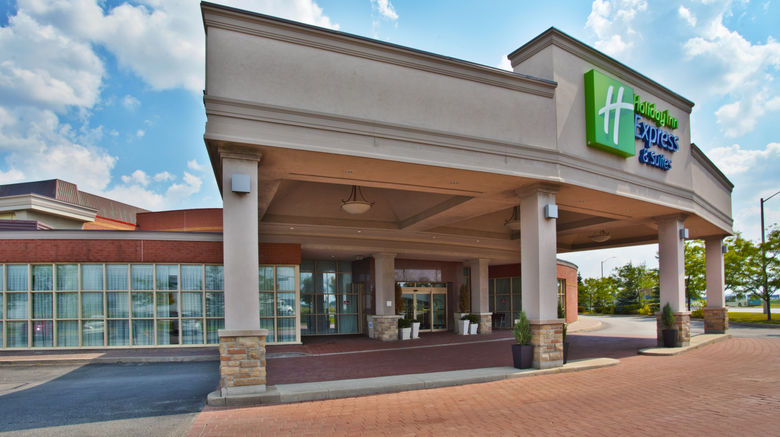 """Holiday Inn Express Hotel  and  Suites Exterior. Images powered by <a href=""""http://www.leonardo.com"""" target=""""_blank"""" rel=""""noopener"""">Leonardo</a>."""