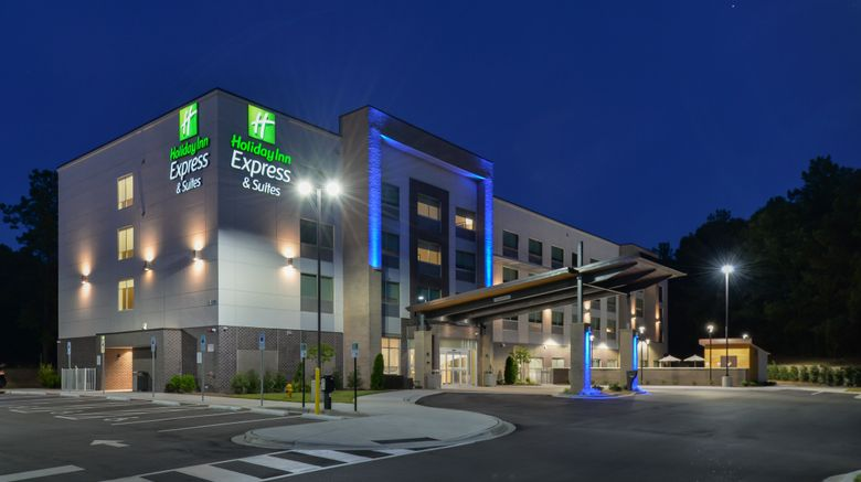 """Holiday Inn Express  and  Suites Charlotte Exterior. Images powered by <a href=""""http://www.leonardo.com"""" target=""""_blank"""" rel=""""noopener"""">Leonardo</a>."""