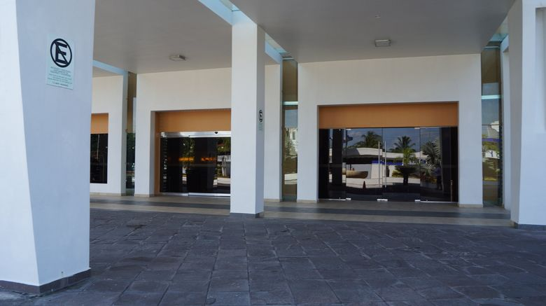 "<b>Crowne Plaza Tuxpan Exterior</b>. Images powered by <a href=""https://leonardo.com/"" title=""Leonardo Worldwide"" target=""_blank"">Leonardo</a>."