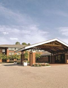 Williamsburg Woodlands Hotel & Suites