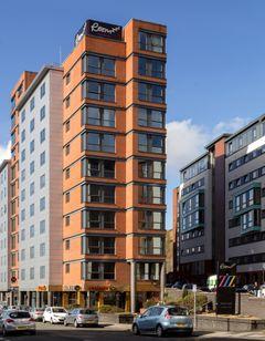 Roomzzz Leeds City West