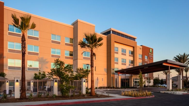 "Holiday Inn Express/Suites Moreno Valley Exterior. Images powered by <a href=""http://www.leonardo.com"" target=""_blank"" rel=""noopener"">Leonardo</a>."