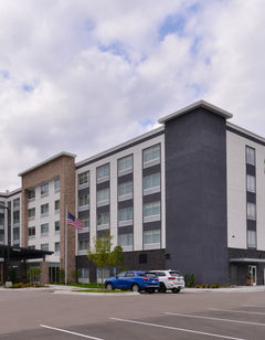 Holiday Inn Express/Stes Mall of America