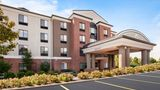 Holiday Inn Express & Suites Cleveland Exterior