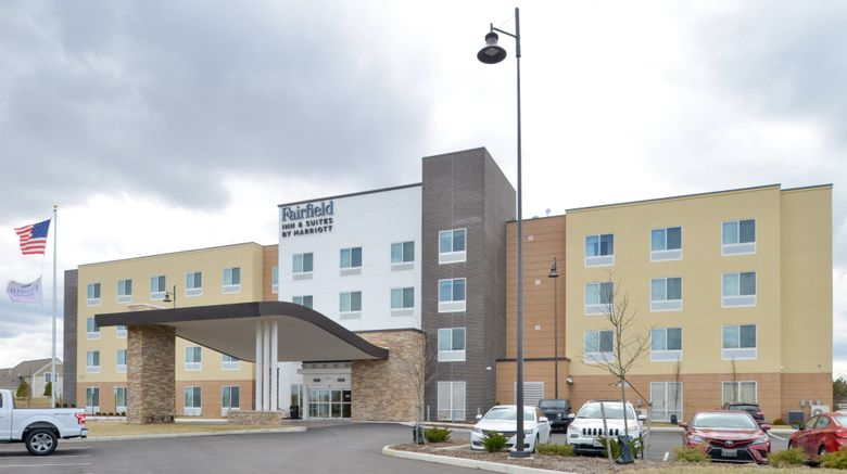 "Fairfield Inn  and  Suites Columbus Exterior. Images powered by <a href=""http://www.leonardo.com"" target=""_blank"" rel=""noopener"">Leonardo</a>."