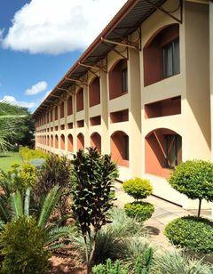 Cresta Golfview Hotel
