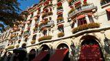 Hotel Plaza Athenee Paris Exterior