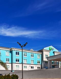 Holiday Inn Express & Suites-Port Lavaca