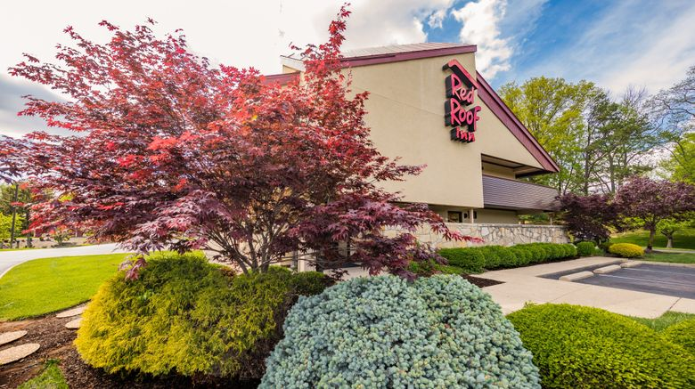 "Red Roof Inn Cincinnati NE - Blue Ash Exterior. Images powered by <a href=""http://www.leonardo.com"" target=""_blank"" rel=""noopener"">Leonardo</a>."