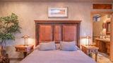 Cougar Ridge Lodge Room