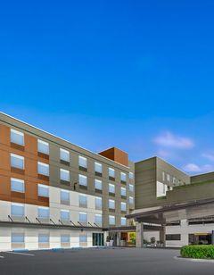 Holiday Inn Express Convention Center