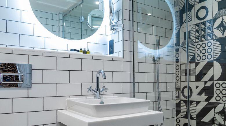 "Abbey Hotel Bath, A Tribute Portfolio Room. Images powered by <a href=""http://www.leonardo.com"" target=""_blank"" rel=""noopener"">Leonardo</a>."