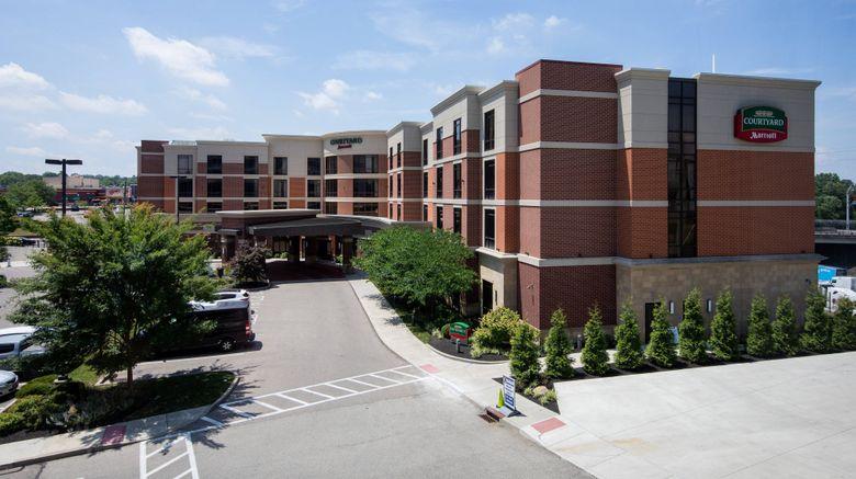 "Courtyard Cincinnati Midtown/Rookwood Exterior. Images powered by <a href=""http://www.leonardo.com"" target=""_blank"" rel=""noopener"">Leonardo</a>."