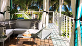 Surfcomber Hotel by Kimpton Pool