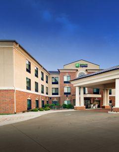 Holiday Inn Express Hotel & Suites Peru