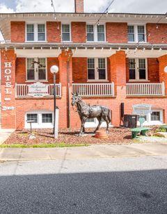 The Belmont Inn by OYO