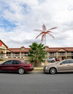 OYO Hotel McAllen Airport South