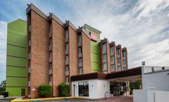 Red Roof Inn & Suites Macon