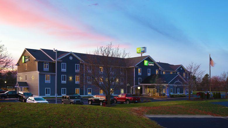 "Holiday Inn Express Grand Rapids SW Exterior. Images powered by <a href=""http://www.leonardo.com"" target=""_blank"" rel=""noopener"">Leonardo</a>."