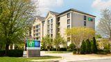 Holiday Inn Express & Suites Alpharetta Exterior