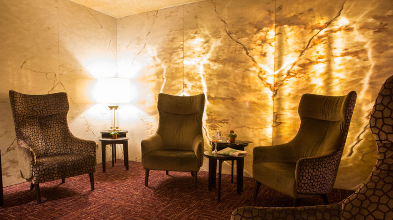 "Hotel Royal Lobby. Images powered by <a href=""http://www.leonardo.com"" target=""_blank"" rel=""noopener"">Leonardo</a>."