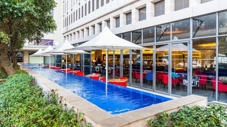 """Fountains Hotel and Conference Center Exterior. Images powered by <a href=""""http://www.leonardo.com"""" target=""""_blank"""" rel=""""noopener"""">Leonardo</a>."""