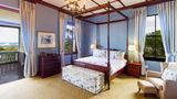 Audacia Manor Room