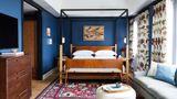 Hotel Revival Suite