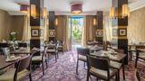 Le Versailles Hotel Restaurant