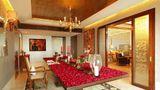 The Leela Ambience Gurgaon Suite