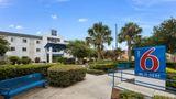 Motel 6 Orlando International Dr Exterior