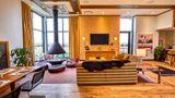 Fairlane Hotel Suite