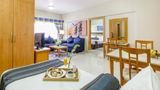 Golden Sands Hotel Apartments Room