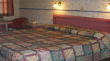 Red Carpet Inn Room